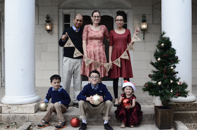 holiday picture of parents and 4 kids